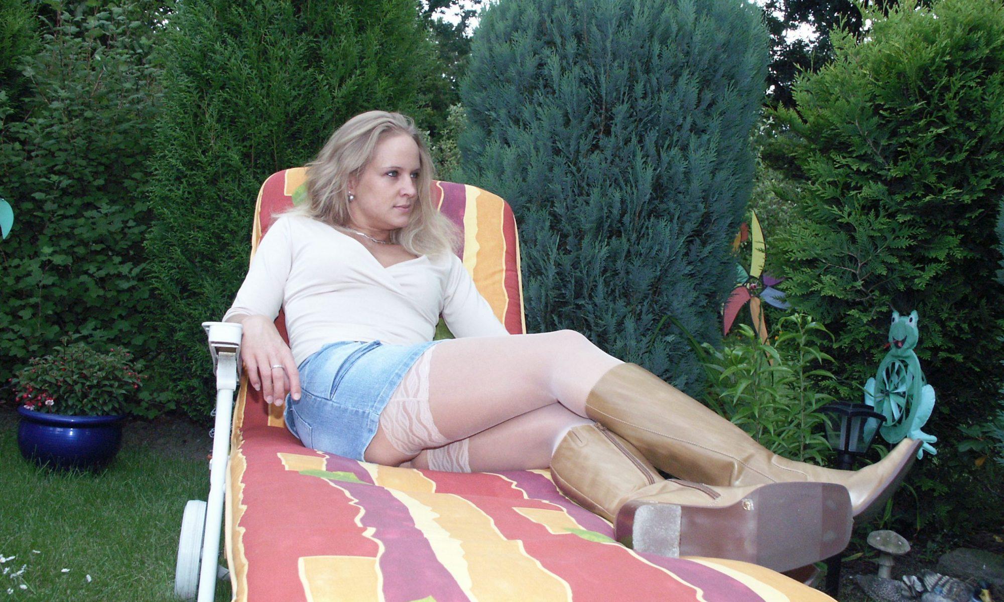 Süße Blondine sucht den freundlichen Fickbuddy